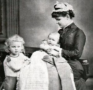 Helena-of-Albany-and-children-e1297771131718-300x291