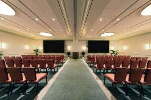 Las Vegas' first executive meeting center welcomes its first group