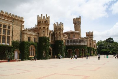 bangalore-palace-private-residence-open-for-visit-400×266.jpg