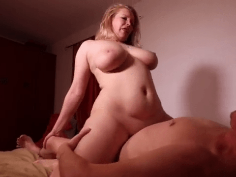Cute Blonde MILF With Curvacious Body And Big Bouncy Boobs Having Sex On Homemade Video.