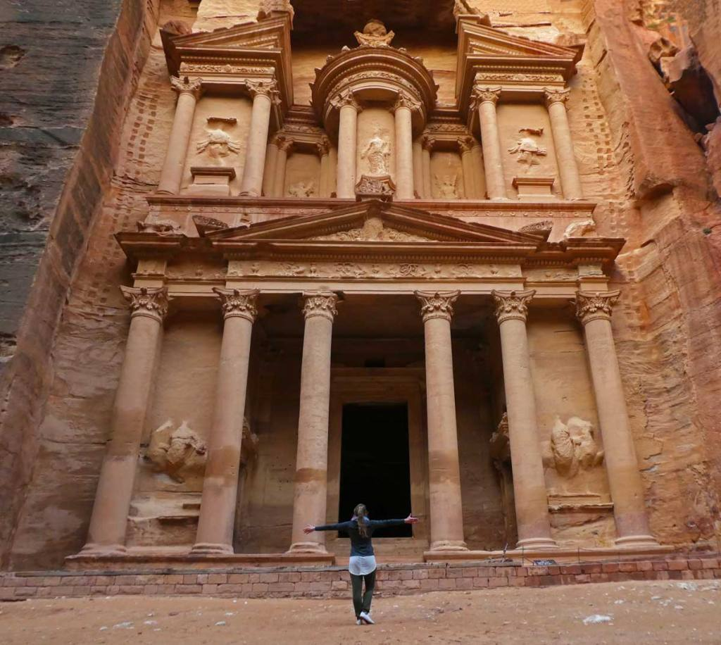 Early-morning-at-The-Treasury--in-Petra-pic-with-me-Optimised