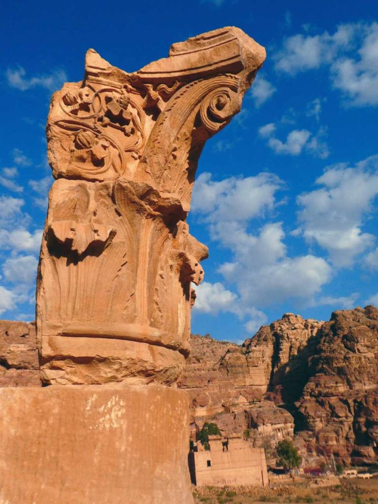 Flowers-carvings-on-a-pillar-at-The-Great-Temple-in-Petra-Optimised