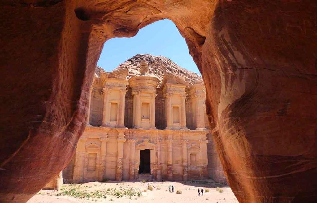 The-monastery-in-Petra-Jordan-through-an-arch-optimised
