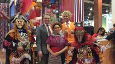 mr-holland-and-maurits-from-rai-at-guatemala-stand