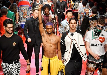 raury protests D&G