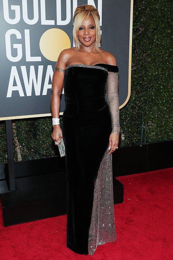 Mary J. Blige wearing custom Alberta Ferretti, Loriblu footwear and Chopard jewelry. Picture via Instagram @therealmaryjblige