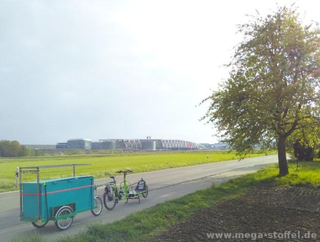 Messe-Anfahrt mit Lastenrad und Anhänger