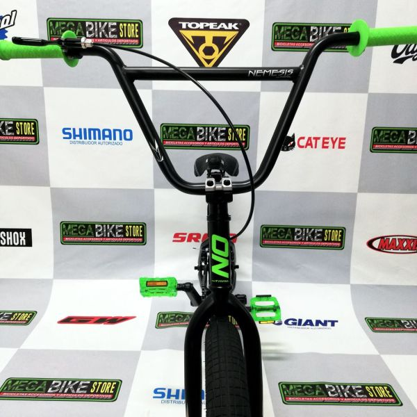bicicleta-para-jovenes-hacer-trucos-saltos-bmx-parque-street-ontrail-nemesis-guayaquil-4.jpg