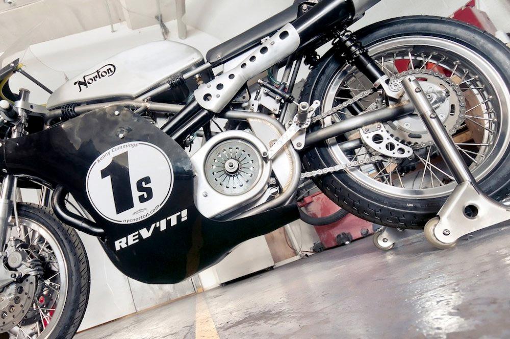 Seeley Norton :: Building A Vintage Racing Motorcycle (4)