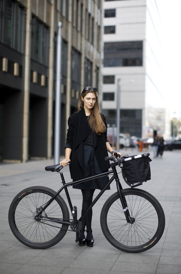Moscow's Bicycle Riding Fashionistas