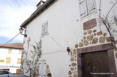 Este edificio conserba el nombre del antiguo hospital de Irauzketa