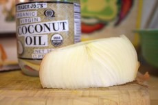 Onions-coconut-oil