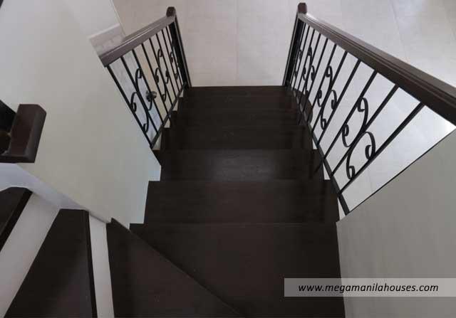 Designer Series 97 at Citta Italia - Luxury Homes For Sale in Citta Italia Bacoor Cavite Turnover Staircase