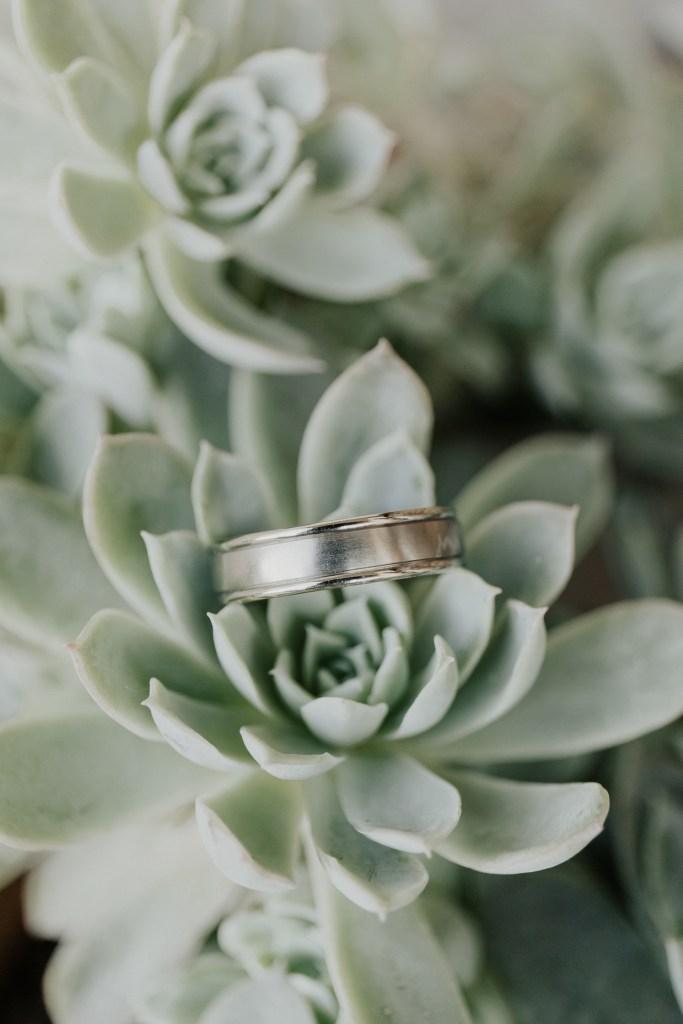 Megan Claire Photography | Northern California Wedding Photographer. White gold mens wedding ring @meganclairephoto