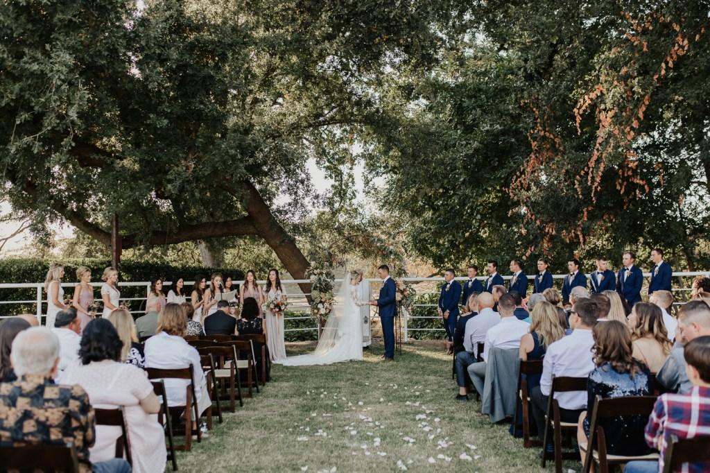 Megan Claire Photography | Northern California Wedding Photographer. Outdoor fall farm wedding in california @meganclairephoto