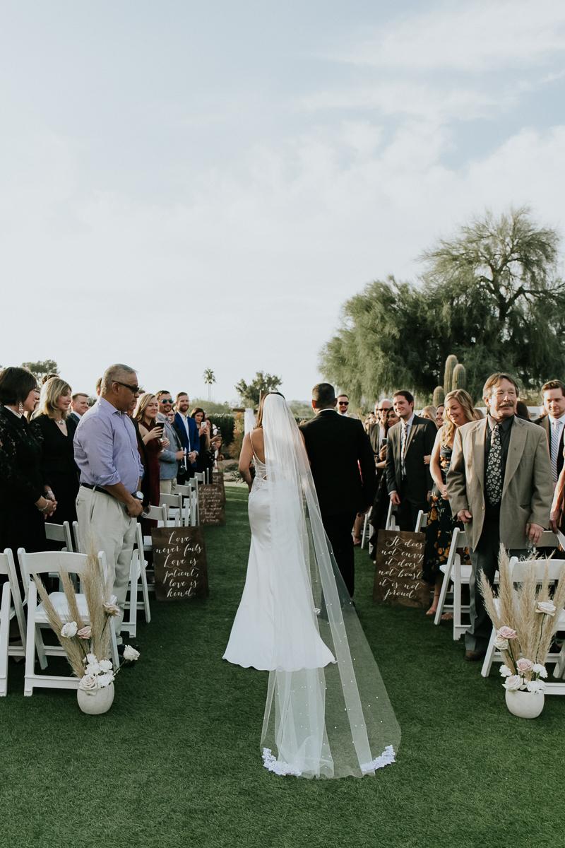 Megan Claire Photography | Arizona Wedding Photographer. Megan-Claire.com  Scottsdale Arizona Resort Wedding at Andaz Resort. Wedding Ceremony photos @meganclairephoto
