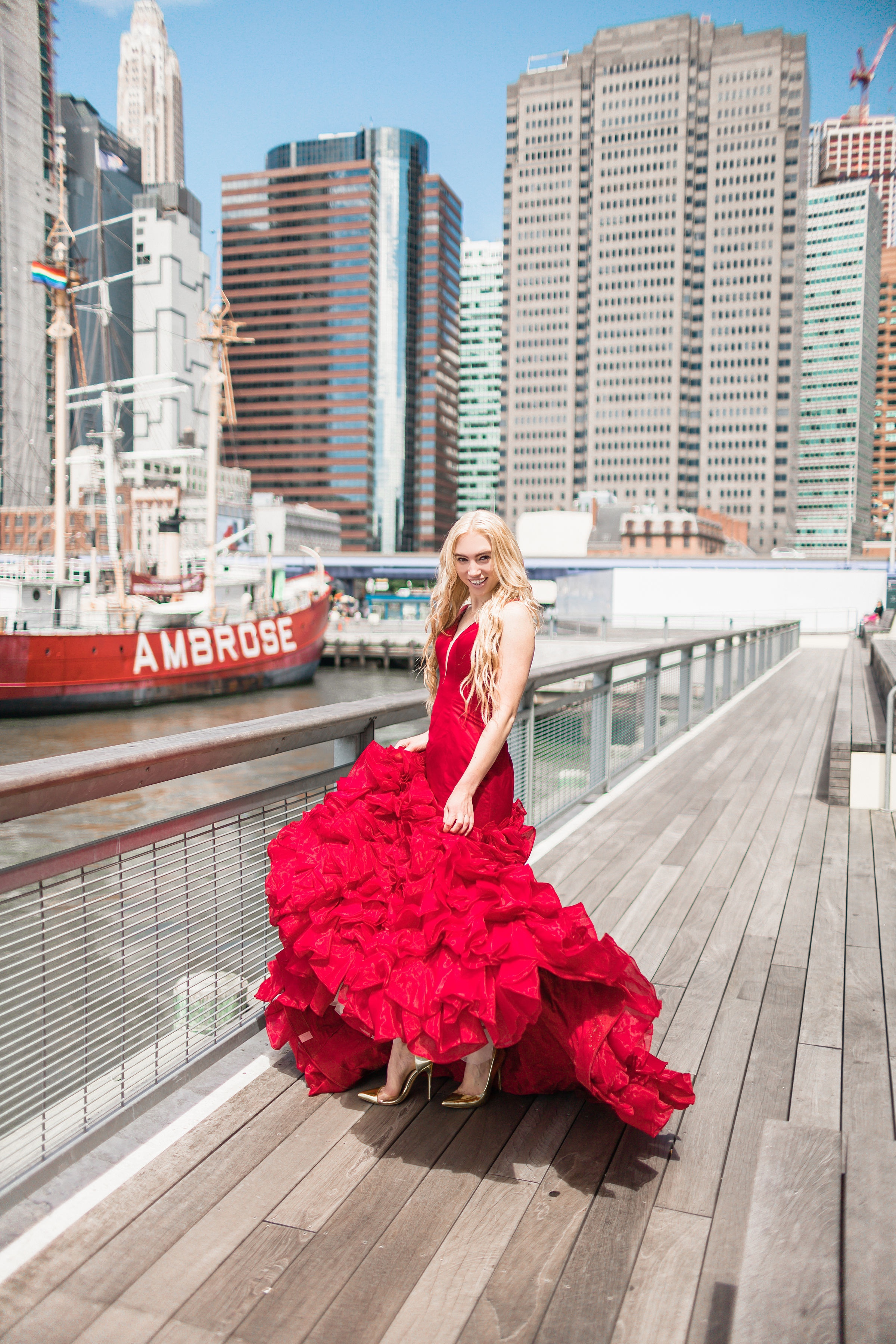 Twirling through Manhattan in a Noteworthy Red Ballgown | Someshelly Photography