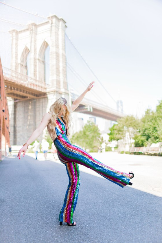 Brooklyn Photoshoot Ideas | Gettin' Groovy Satisfying a Need for Sparkles