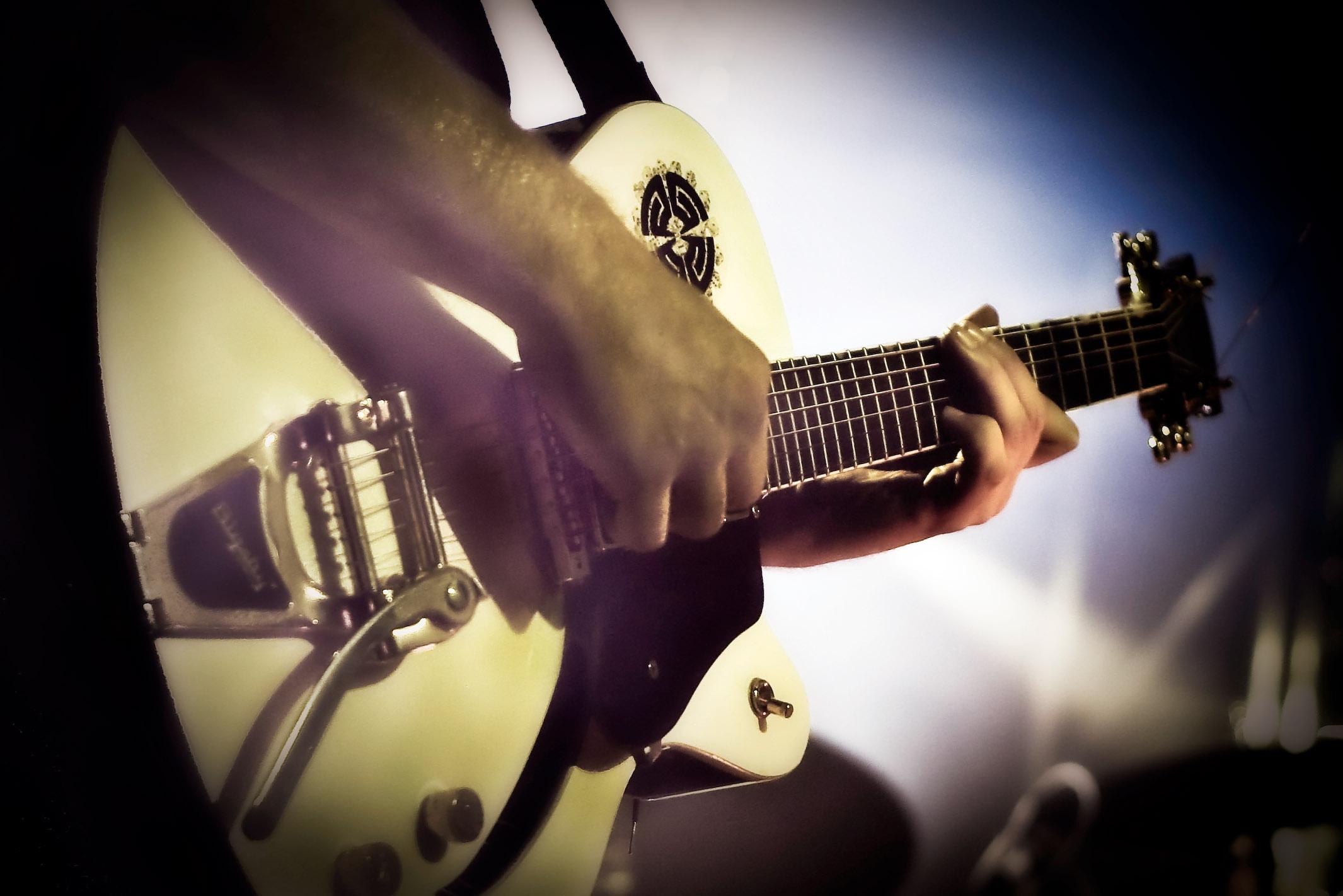 img_6981-guitar-copy-edit