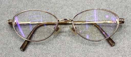 再調整された眼鏡