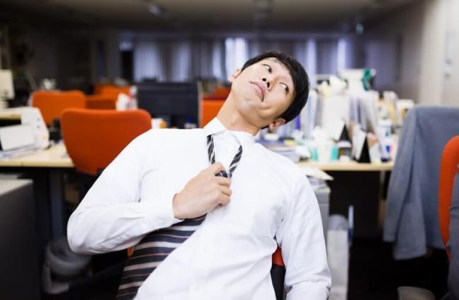 webライター コツ 稼ぐ 書き方 仕事 副業 在宅 ネクタイを解く 変顔 リラックス
