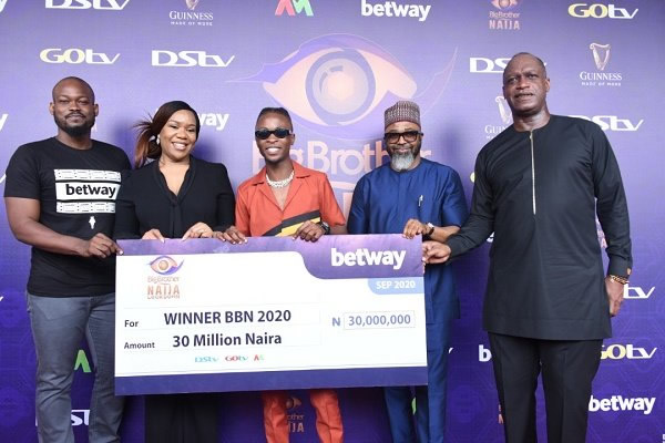BBNaija2020: MultiChoice presents Laycon with N85m grand prize