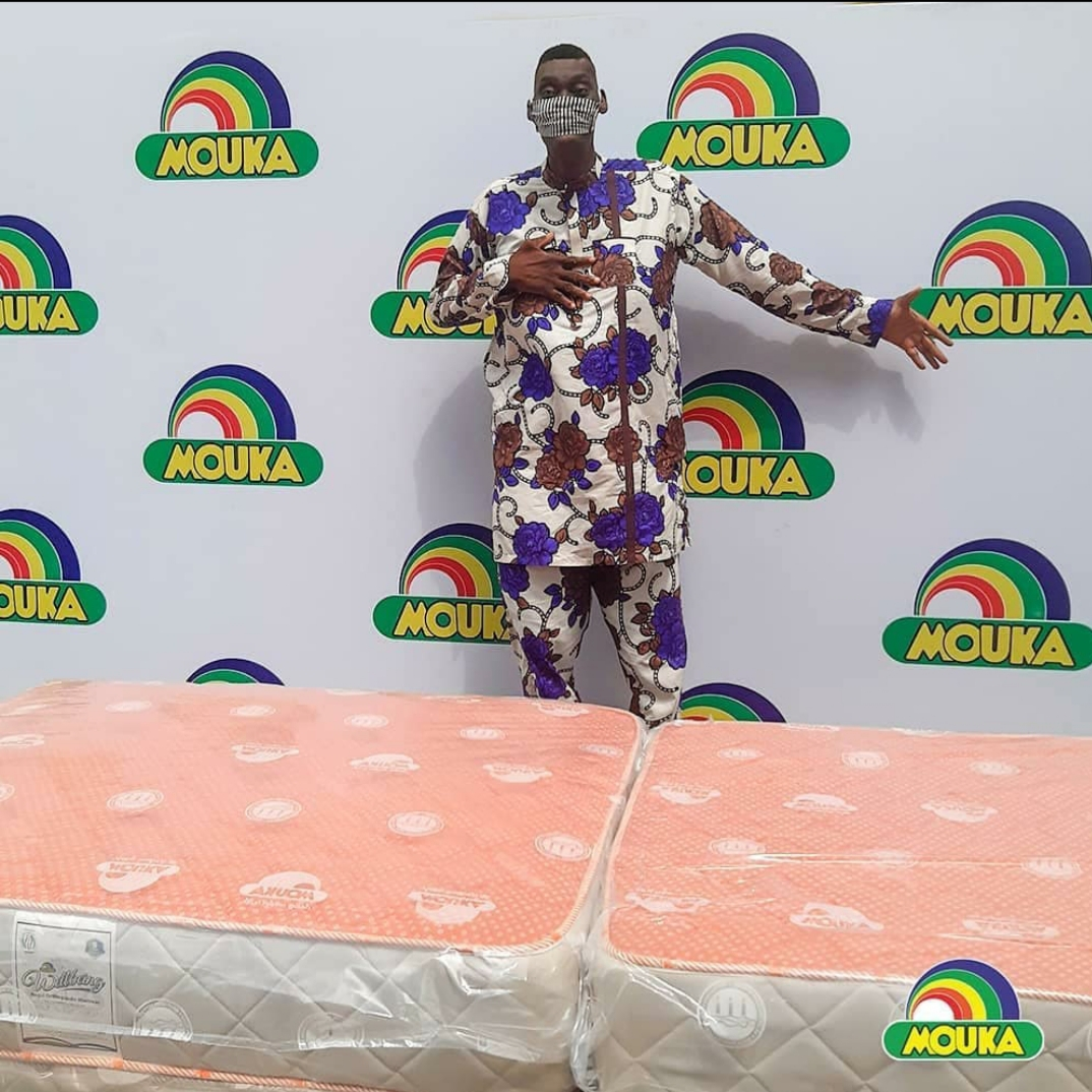 Mouka Presents Customised Mattress to Afeez Agoro, Nigeria's Tallest Man, for a Healthy Sleep