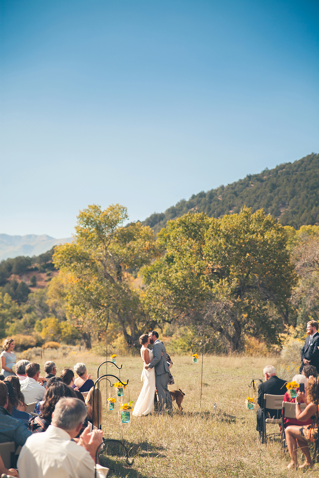 Wyoming wedding photographer documents couples first kiss