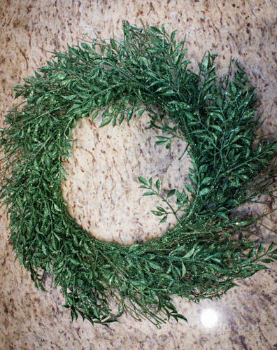Holiday Wreath How-To (3/6)