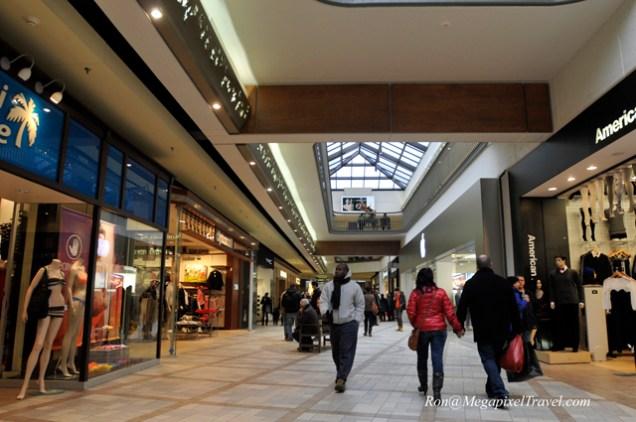 _RON7941-Rideau-Center