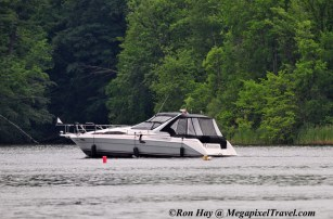 RON_3834-Fancy-boat