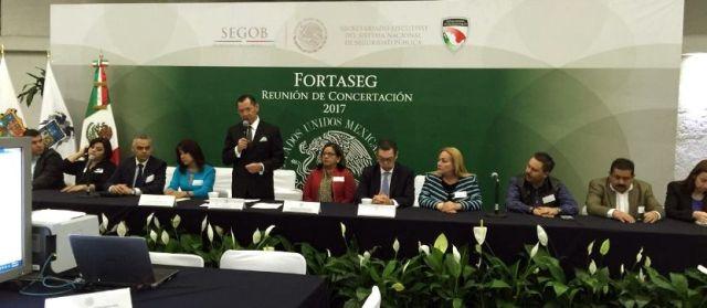 Presente Alma Laura Amparán en la reunión de concertación del programa FORTASEG 2017