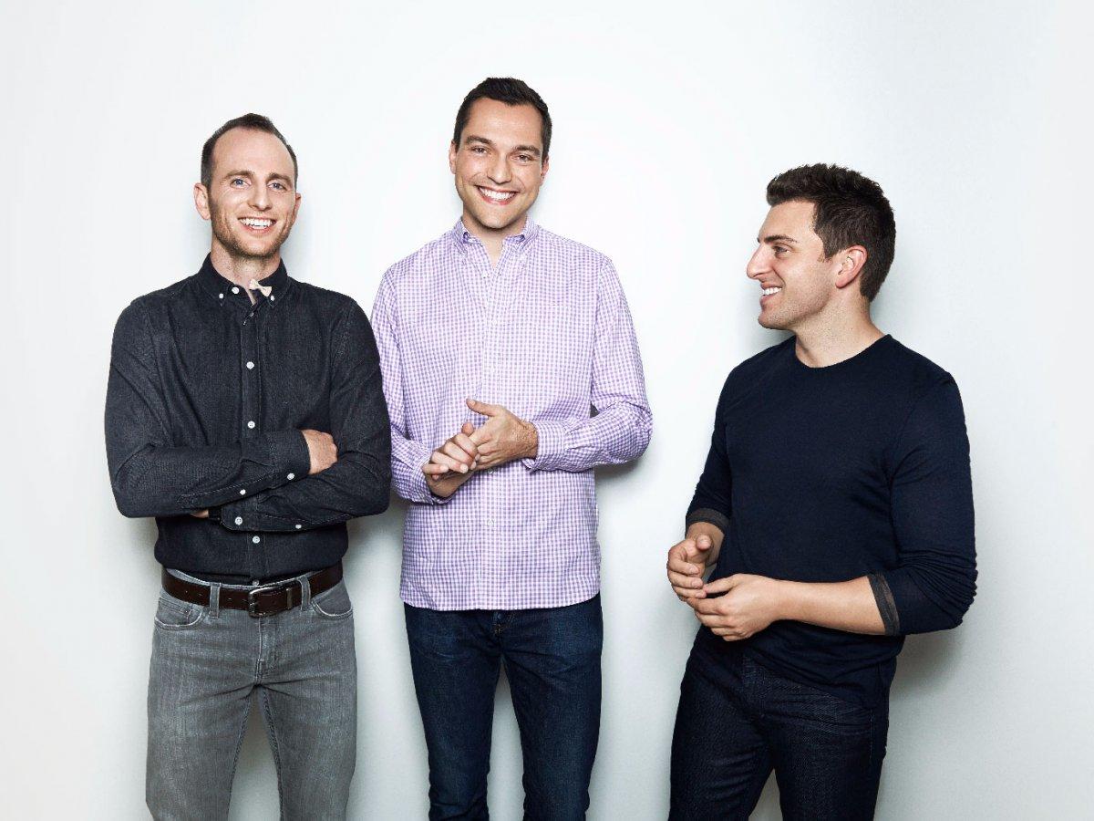 La historia de Airbnb: Cómo tres chicos convirtieron la idea de alquilar colchones inflables en una súper compañía valorada en $38 mil millones