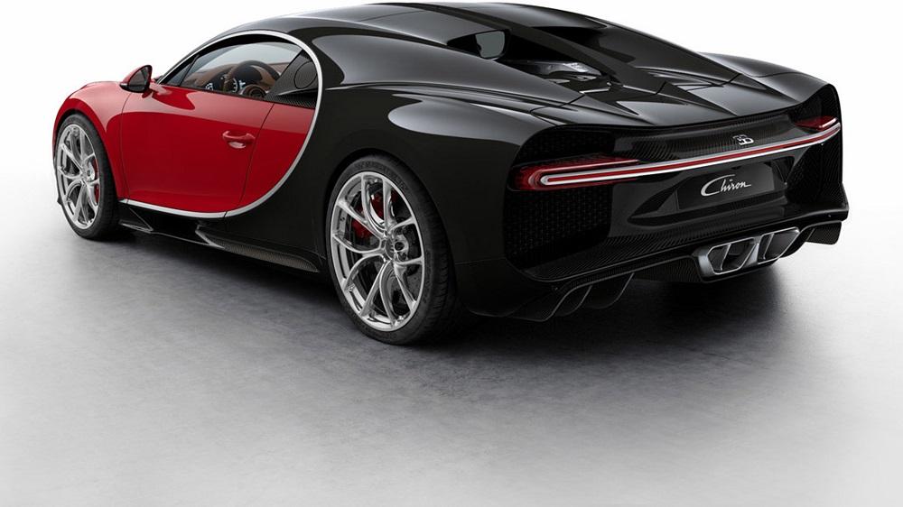 Rojo y Negro con Acentos de Fibra de Carbono