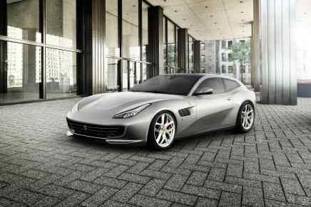 El elegante y poderoso Ferrari GTC4 Lusso T capaz de generar 600 caballos de fuerza hará su debut en octubre en el Salón del Automóvil de París