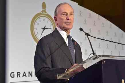 Michael Bloomberg dona $300 millones para combatir problemas que amenazan la vida de los estadounidenses