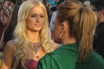 Debido a los muchos escándalos de la socialite Paris Hilton su familia no heredará ¡$4.3 MIL MILLONES!