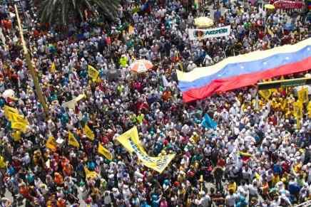 La economía de Venezuela se ha reducido a sus últimos $10 MIL MILLONES en efectivo