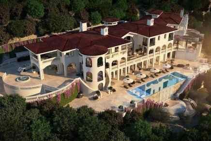 Esta MEGA espectacular mansión de estilo español en Los Ángeles está en construcción y puede ser tuya por $75 MILLONES