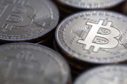 Venezolanos buscan refugio en las monedas virtuales como solución a la crisis económica