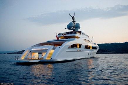 Entra al GALACTICA STAR, un mega yate de $75 millones y el preferido por los magnates para sus vacaciones por el mediterráneo