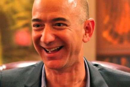 ¡New King! El patrimonio neto de Jeff Bezos es ahora de $100 MIL MILLONES
