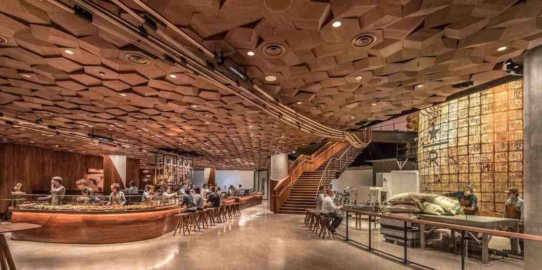 Bienvenido al STARBUCKS más grande del mundo: Echa un vistazo dentro del lujoso café en Shanghái, China que puede servir hasta MIL DOSCIENTAS personas