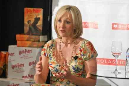 ¿Alguna vez quisiste escribir un libro? La famosa escritora J.K. Rowling revela la rutina que usa para escribir sus best-sellers