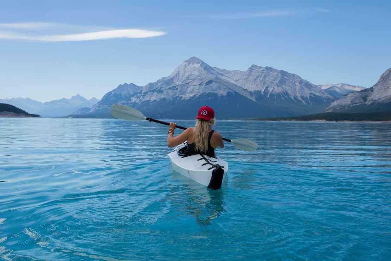 Muchacha en Kayak