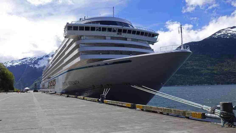 Mujer paga $164.000 para vivir en un crucero de lujo por un año