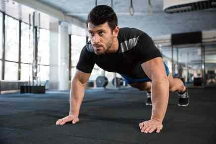 Estos 2 ejercicios te mantendrán en forma para toda la vida