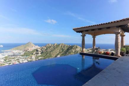 Villa Estrella Callejón del Amigo:  Una de las casas más exclusivas de Cabo San Lucas está ahora a la venta por $5,7 millones