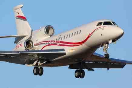 Televangelista le dice a su congregación que Dios quiere que él tenga un cuarto avión privado