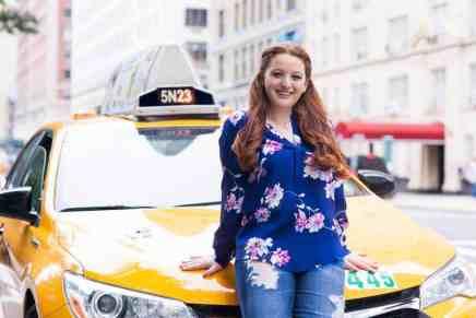 Esta chica de 18 años gana más de $500.000 AL AÑO por su negocio de niñeras